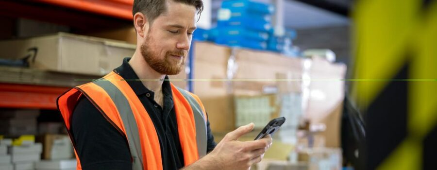 Logistics and inventories in a supply chain